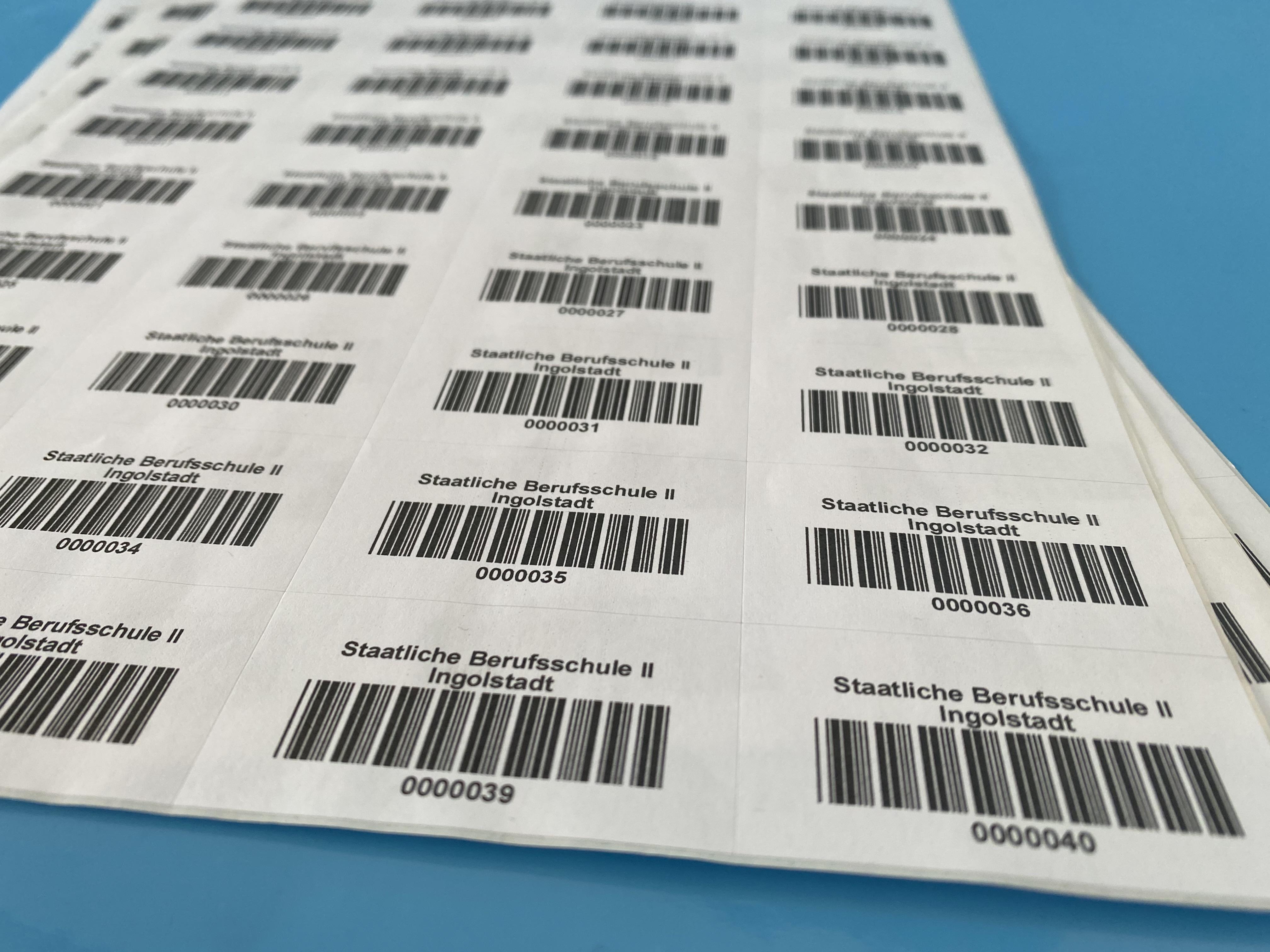 Individuell bedruckte Laser-Barcode-Etiketten auf Bögen