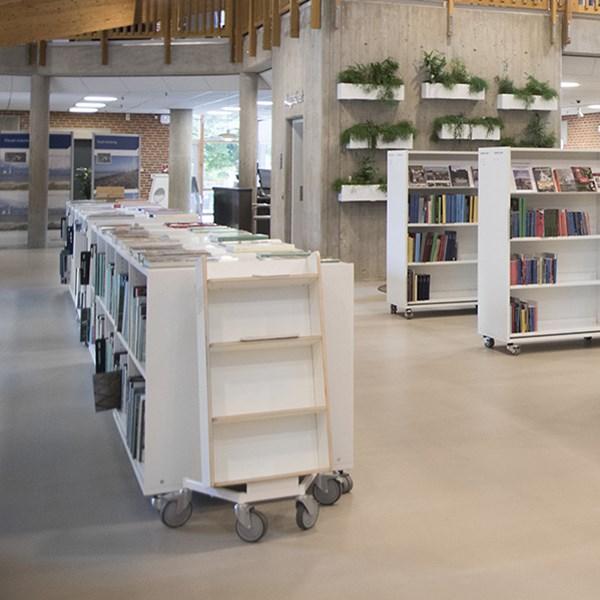 Bücherwagen Halland plus